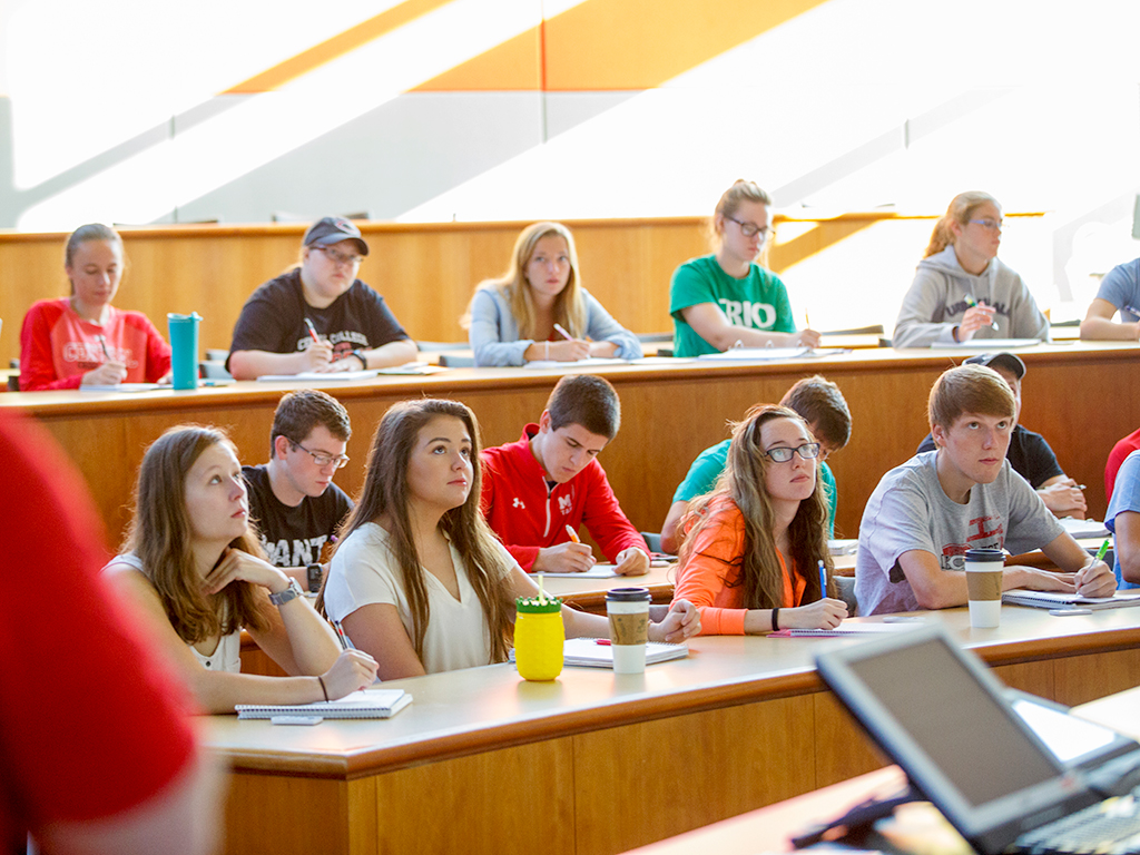 Central College students in Vermeer Science Center